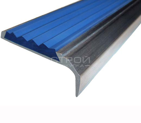 Противоскользящий угол порог Next АНУ42 с синей резиновой вставкой и размерами 42мм*7мм*23мм.
