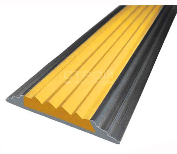 Антискользящая алюминиевая накладка Next АП46 с желтой резиновой вставкой