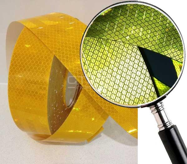 Желтая световозвращающая микропризматическая пленка.