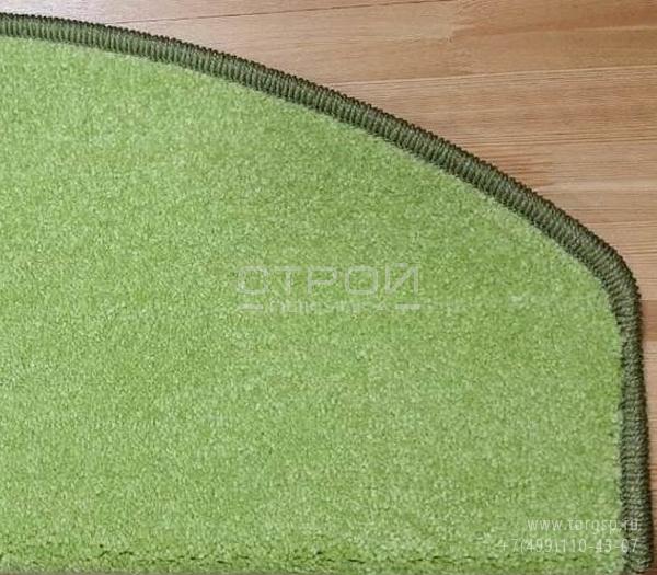 Коврики для ступеней лестницы в доме - Трава зеленого цвета  крупным планом.