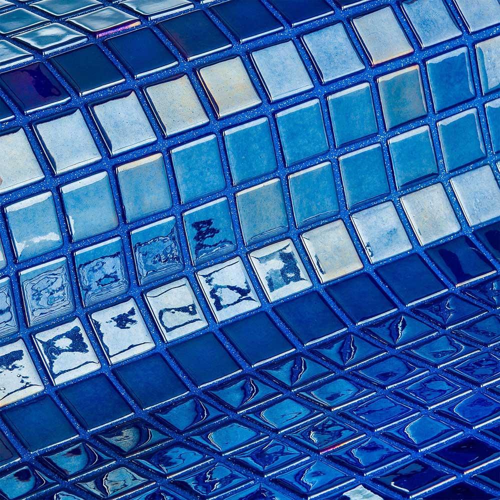 Глянцевая мозаика Azurita Metal синяя производства Ezarri.