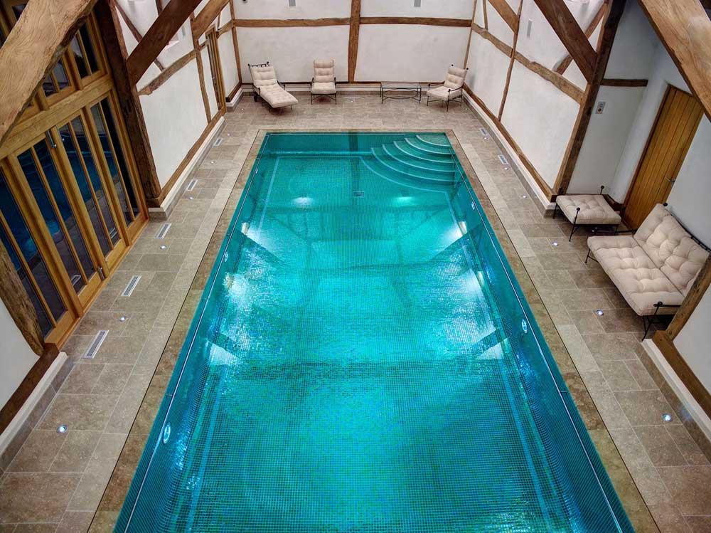 Глянцевая мозаика Esmeralda Metal зеленого цвета завода Ezarri для бассейна.