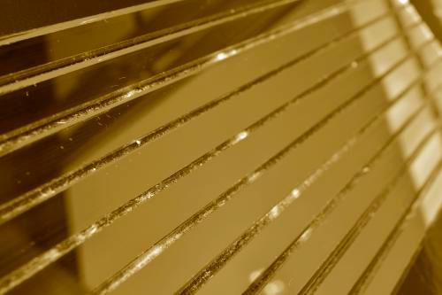 Золотая зеркальная мозаика G300 на сетке.