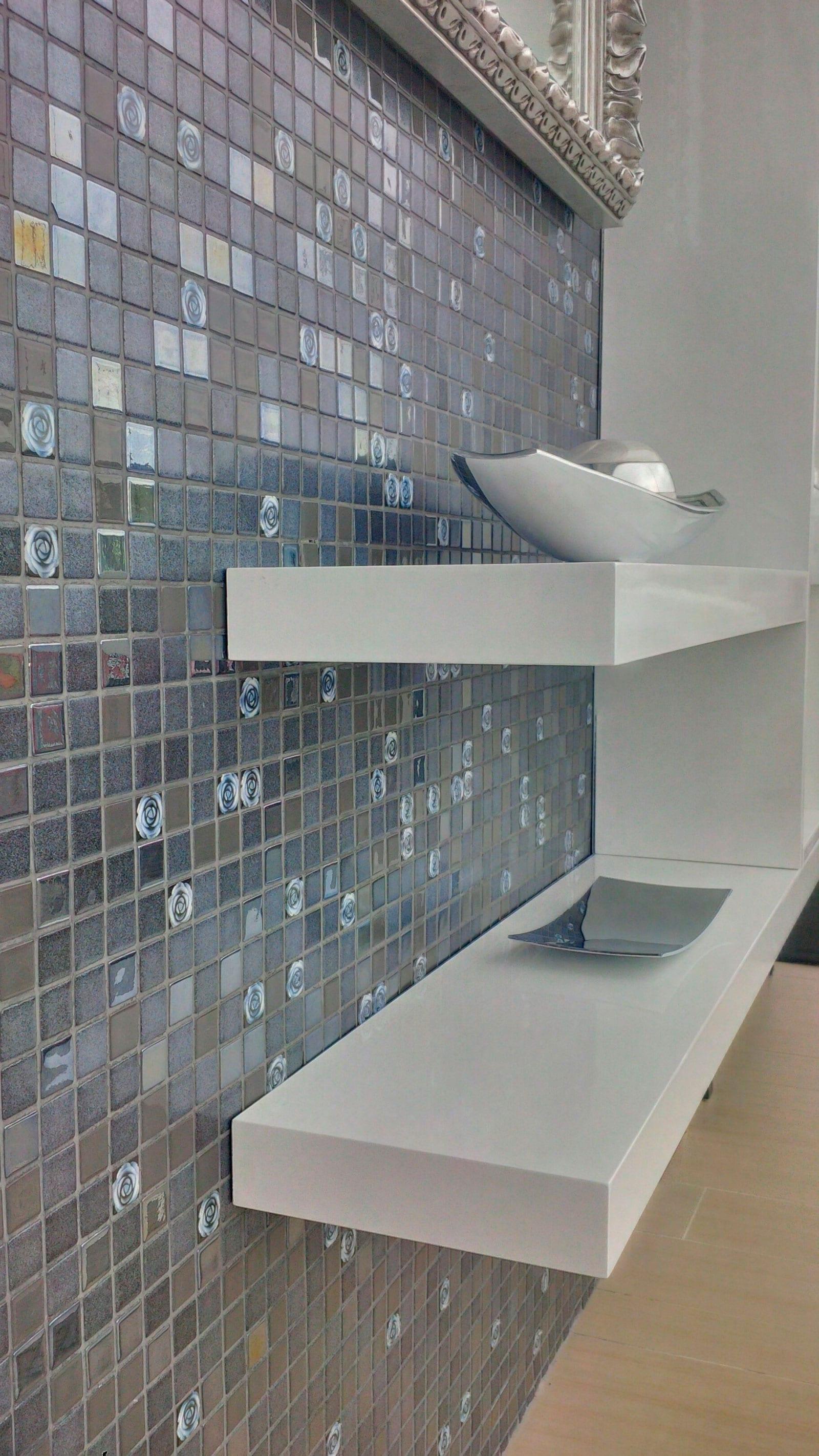 Мозаика Roses Topping (Испания, Ezarri) — отделка комнаты.