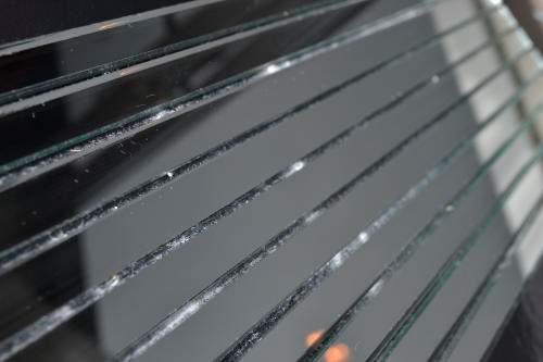 Графитовая зеркальная мозаика D300 на сетке.