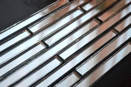 Серебряная зеркальная мозаика S149-2 на сетке.