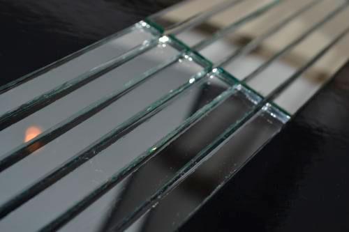 Серебряная зеркальная мозаика S149 на сетке.