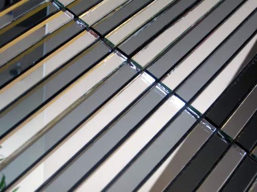 Серебряная зеркальная мозаика SD149 на сетке.