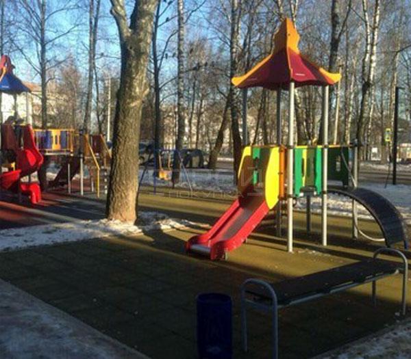 Тротуарная плитка из резиновой крошки для детской площадки.