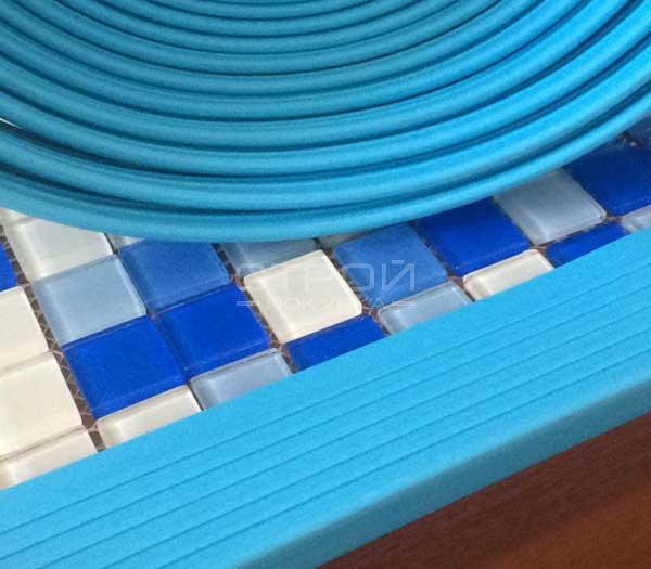 Пример использования противоскользящей накладки на угол ступени - Next У44.