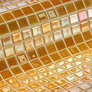 Глянцевая мозаика Aurum Metal золотого цвета производства Ezarri.