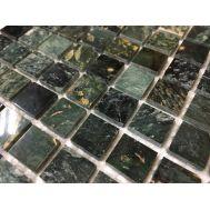 Мозаика из камня малахитового цвета