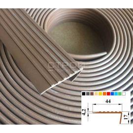Рулон накладки на угол ступени - Next У44 размером 12,5м х 4,4см.