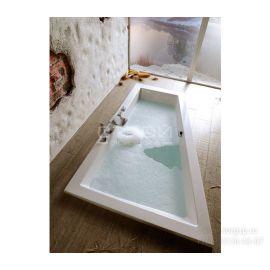 Асимметричная акриловая разносторонняя ванна Triangl (Триангл) Polysan 180x120 см.