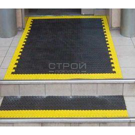 Крыльцо и ступени выложенные модульным грязезащитным покрытием