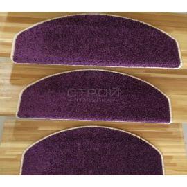Ковролиновые накладки — Purple  из фиолетового ковролина на ступенях лестницы.