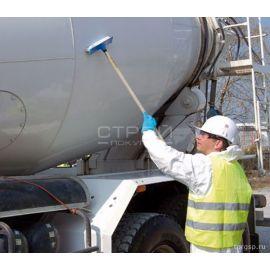 Очистка бака бетономещалки средством для удаления бетона и цемента Bio Decap'Beton Guard Concentre.