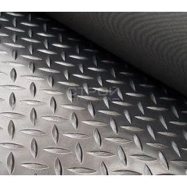 Резиновое рулонное покрытие Елочка применяется как напольное покрытие в транспорте.