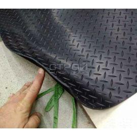 Толщина подложки резиновой дорожки Елочка вместе с насечкой 3 мм.