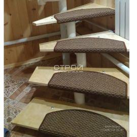 Ковровое покрытие на ступеньки лестницы Бостон с петлевым ворсом.