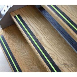 Противоскользящая лента со светящейся полосой Anti Slip Tape Foto Line на ступени