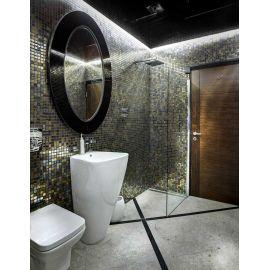 На фото интерьер ванной комнаты с мозаикой Alexander Cocktail (Ezarri, Испания).
