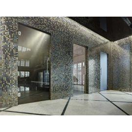 Интерьер сауны отделан мозаикой Alexander Cocktail (Ezarri, Испания).