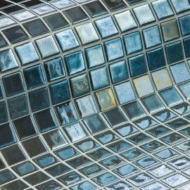 Глянцевая мозаика Inox Metal серого цвета производства Ezarri.