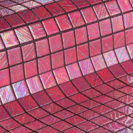 Мозаика Mauna Loa коллекции Vulcano с перламутровой поверхностью.