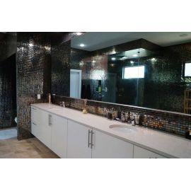 Глянцевая мозаика Oxido Metal металлического цвета производства Ezarri  для туалетных зон ночных клубов.