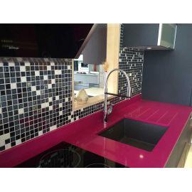 Стеклянная мозаика San Francsisco Cocktail (Ezarri, Испания) для отделки рабочей зоны на кухне.