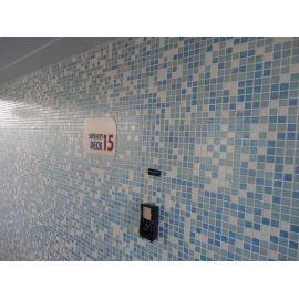 Мозаика Sky Mix Iris использована при отделке фитнес центра с бассейном