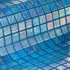 Мозаика Stromboli коллекции Vulcano с перламутровой поверхностью.
