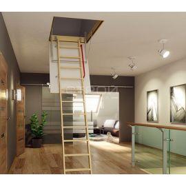 Трехсекционная лестница Fakro LWK Plus в интерьере.