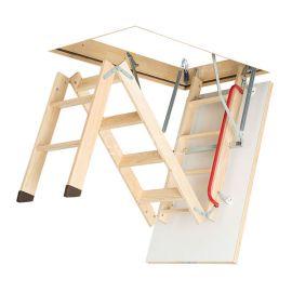 Трехсекционная лестница Fakro LWK Plus в процессе складывания.