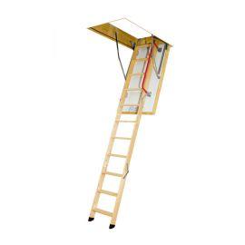 Чердачная лестница Fakro LTK с термоизолярованным люком в разложенном состоянии.