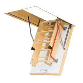 Чердачная лестница Fakro LTK с термоизолярованным люком в сложенном состоянии.