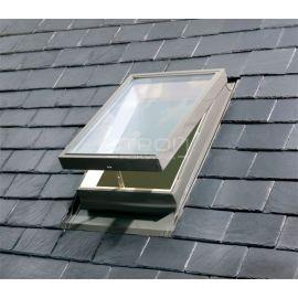 Окно люк на крышу WGI в положении створки — проветривание.