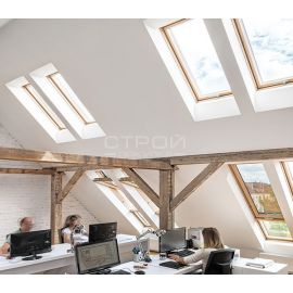 Отличное естественное освещение двухкамерными мансардными окнами FTS-V U4, FTP-V U4, FTP-V U5 Thermo, FTU-V U5 Thermo, PTP U4, PTP-V U4, PTP-V U5,  FTT U6 Thermo.