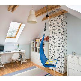 Детская комната хорошо утеплена и освещена с помощью двухкамерных мансардных окон FTS-V U4, FTP-V U4, FTP-V U5 Thermo, FTU-V U5 Thermo, PTP U4, PTP-V U4, PTP-V U5,  FTT U6 Thermo.