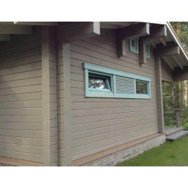Покрытие фасада деревянного дома защитной глазурью Wood Stain.