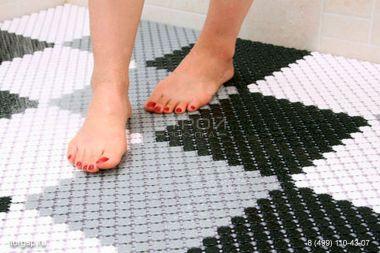 Какой лучше противоскользящий коврик для ванной?