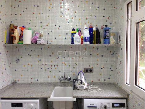 Мозаика Flowers Topping (Испания, Ezarri) для интерьеров кухни в квартире или доме.
