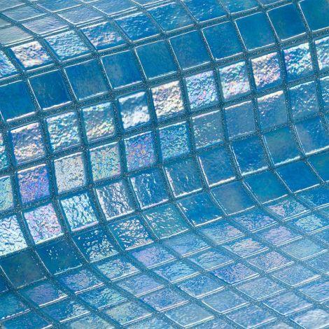 Мозаика Iris Azur ярко-синего цвета с радужным эффектом
