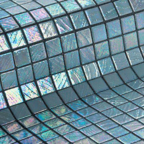 Мозаика Colima коллекции Vulcano с перламутровой поверхностью.