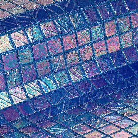 Мозаика Masaya коллекции Vulcano с перламутровой поверхностью.