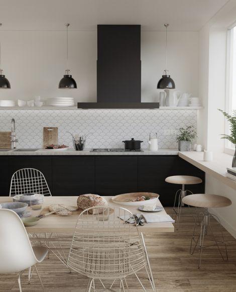 Керамическая мозаика в виде рыбьей чешуи  Fan Shape White Glossy в интерьере кухни