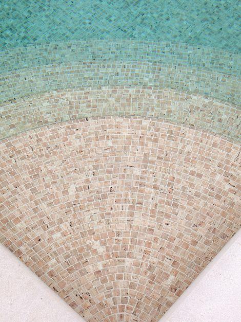 Мозаика Zen Travertino - ступени на дно бассейна.