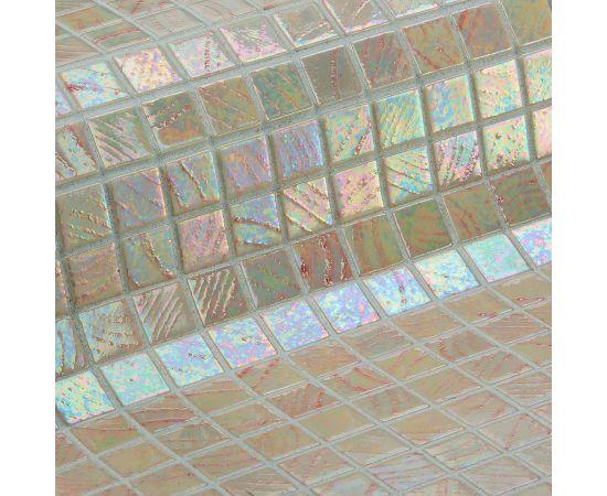 Мозаика Kilauea коллекции Vulcano с перламутровой поверхностью.