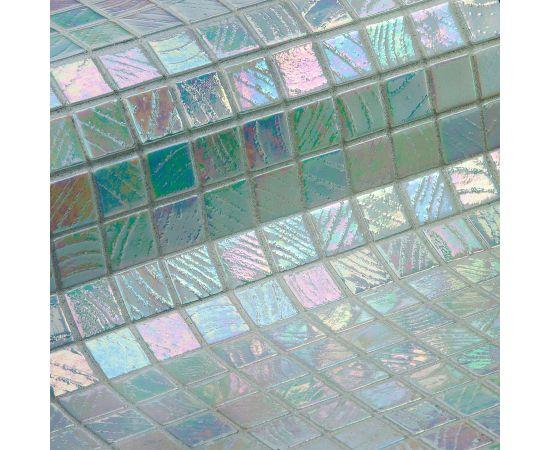 Мозаика Teide коллекции Vulcano с перламутровой поверхностью.